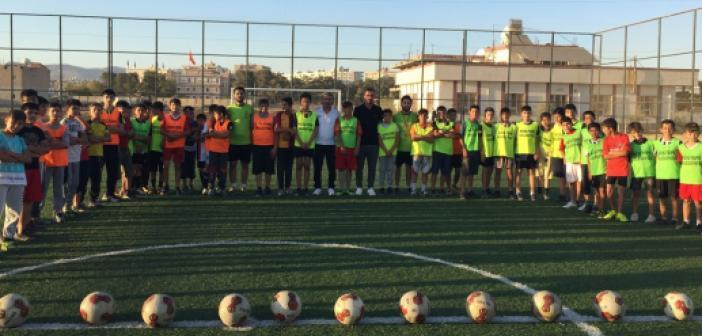 Mardinli çocuklar kurslarda futbol eğitimi alıyor