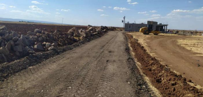 Yeni inşa edilen kırsal yaşam alanlarına yeni yollar yapıldı