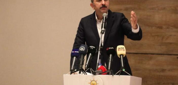 Adalet Bakanı Gül'den Batıya mülteci tepkisi