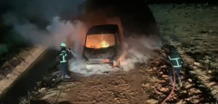 Bıçaklı kavga sonrası 1 araç yakıldı iddiası