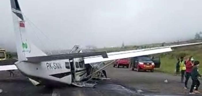 Endonezya'da küçük uçak düştü: Bir ölü bir yaralı