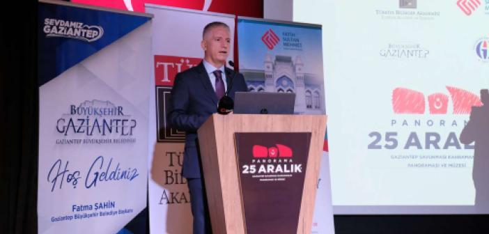 """Gaziantep'te """"Milli Mücadeleye Yerel Bakışlar Sempozyumu"""" düzenlendi"""
