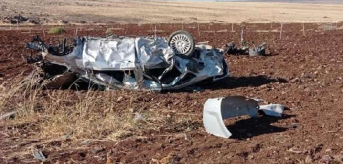Kontrolden çıkan otomobil tarlaya uçtu: Bir ölü 3 ağır yaralı