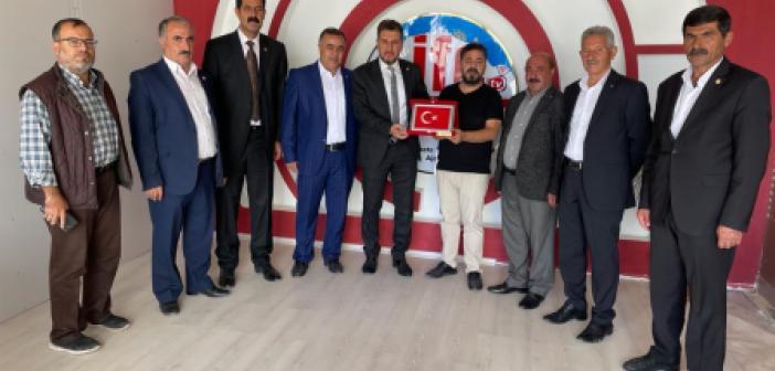 Mardin Muhtarlar Federasyonu'nda Gazetemize Kutlama Ziyareti