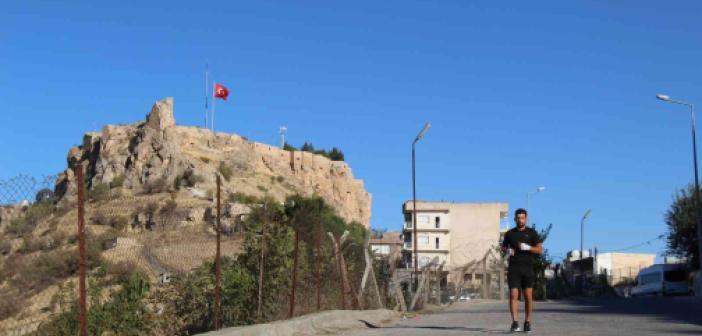 Milli kick boksçu gençlere örnek olmak için Mardin'e geldi