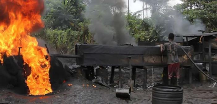 Nijerya'da kaçak petrol rafinerisinde patlama: 25 ölü
