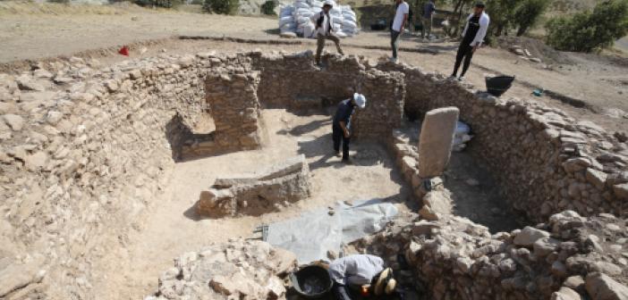 """""""Boncuklu Tarla""""da 12 bin yıllık olduğu tahmin edilen tapınak bulundu"""