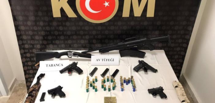 Silah kaçakçılığı operasyonunda yakalanan 7 zanlı tutuklandı!