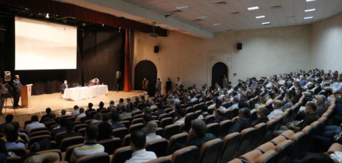 Vali Demirtaş, Nusaybin İlçesinde Muhtar ve Okul Müdürleriyle Bir Araya Geldi