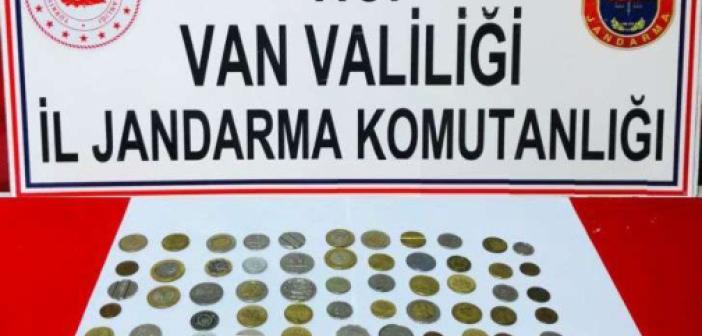 Van'da 76 adet sikke ele geçirildi